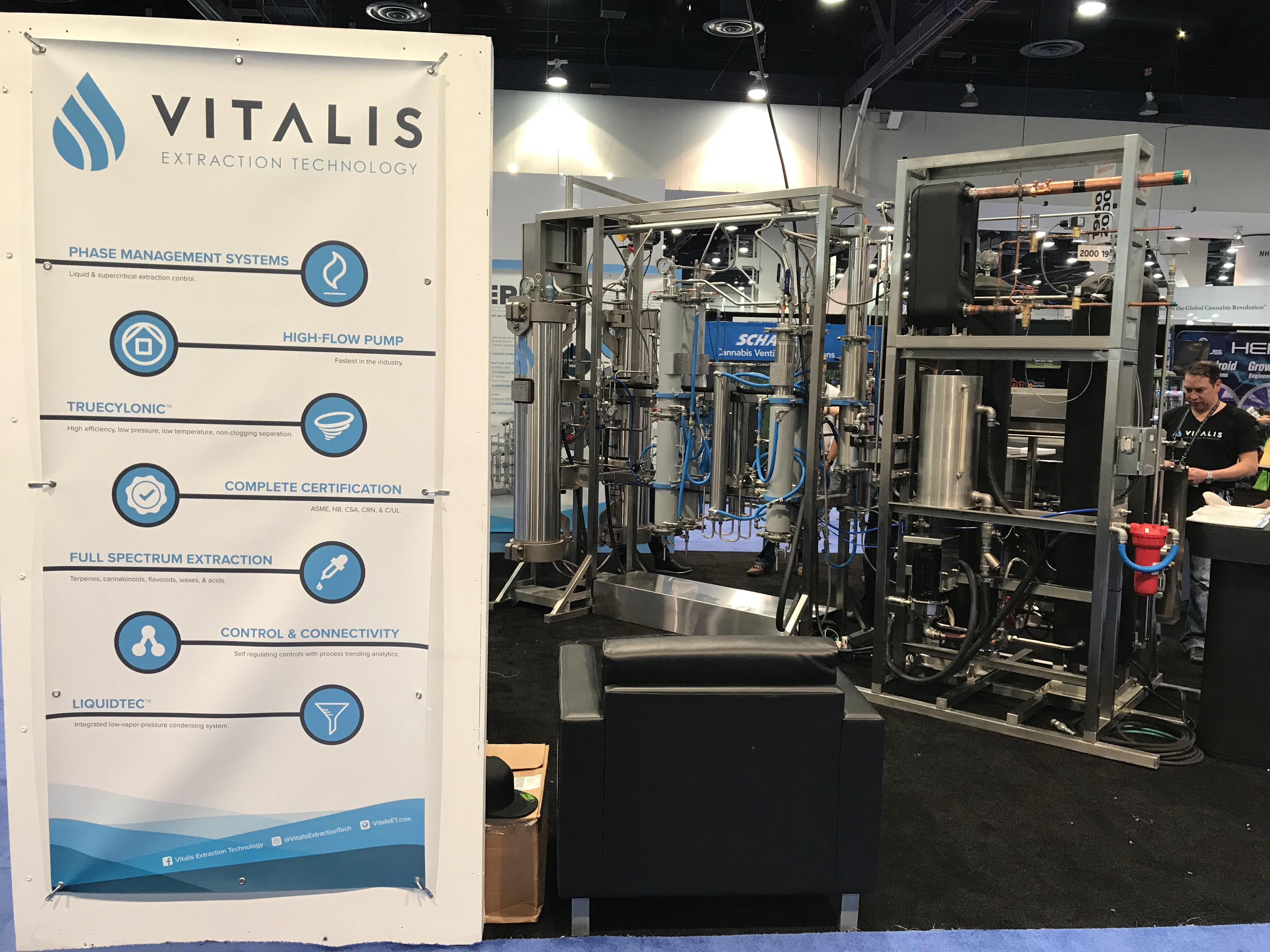 Vitalis CO2 extraction machine